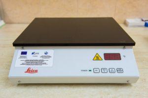 Нагревателна плоча за сушене и изглаждане на срези върху предметни стъкла