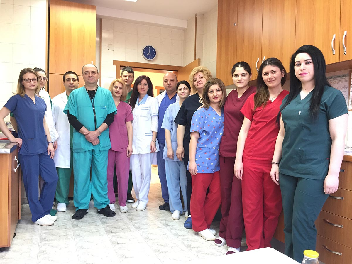 Отделение-по-анестезиология-и-интензивно-лечение-по-Кардиохирургия-към-КАИЛ---обща-снимка.jpg 04.04.2017г.